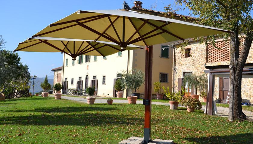 Ombrelloni Decentrati Da Giardino.Vendita E Installazione Ombrelloni Da Esterno A Brescia Centin