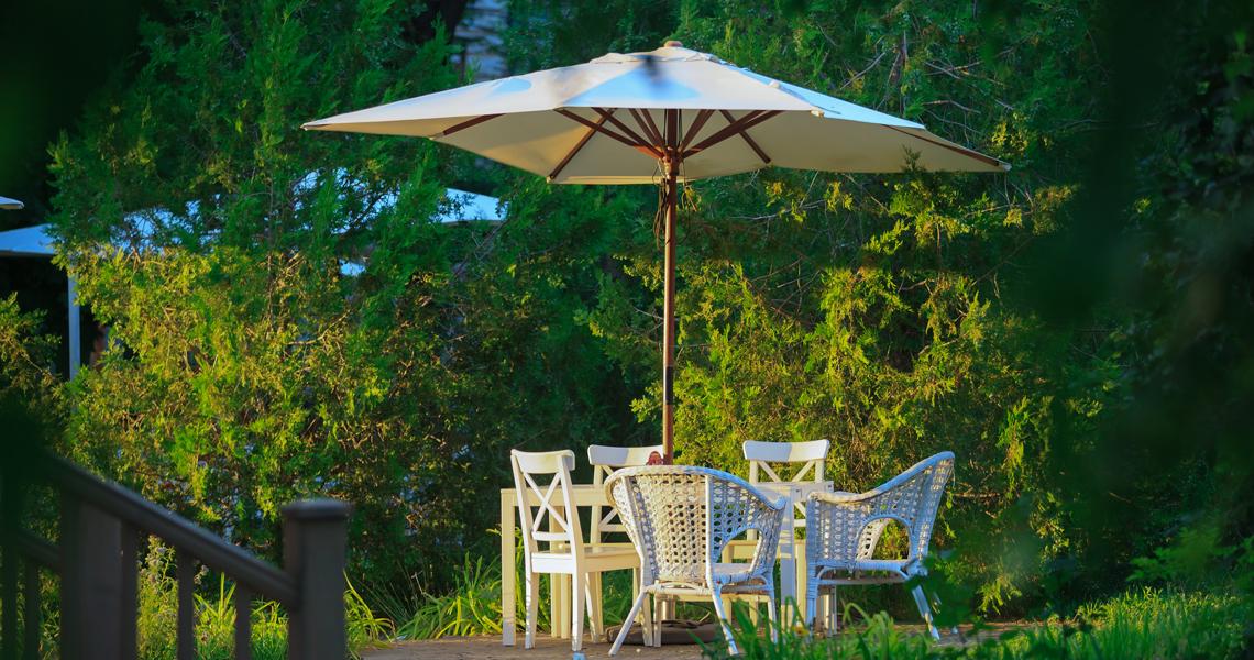 come scegliere ombrellone da giardino